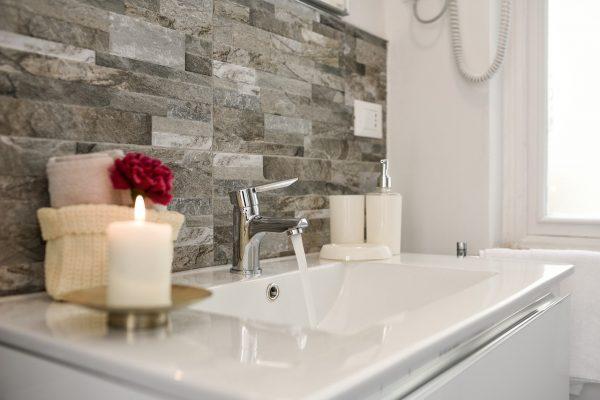 Stylingtips voor de verkoop van uw huis - zorg voor sfeer in de badkamer